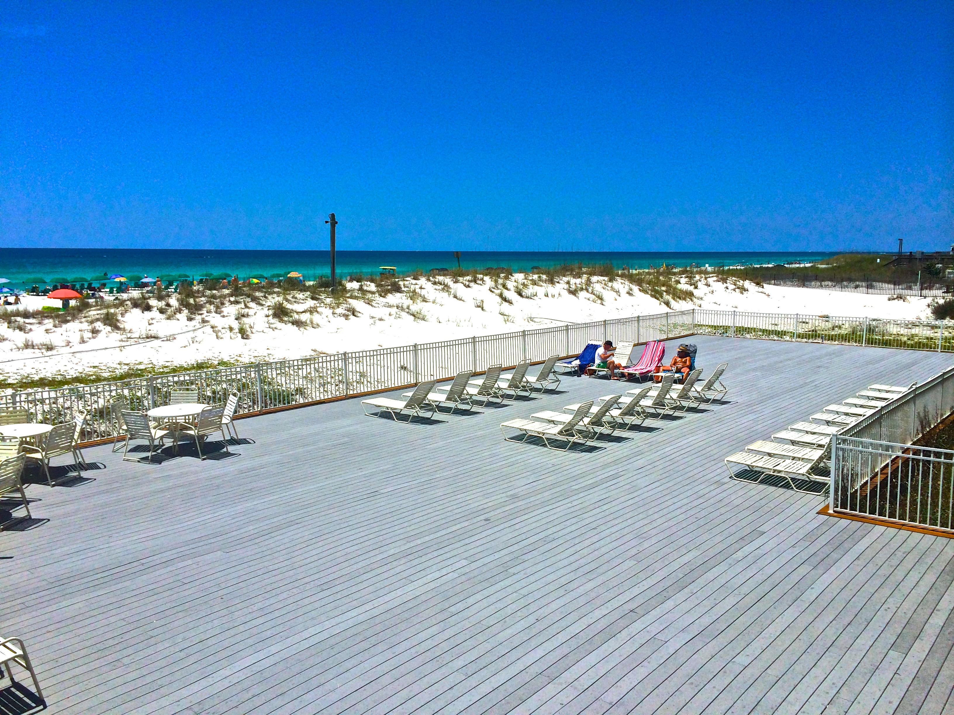 Pelican Beach Resort 1218  Destin Resort Rentals
